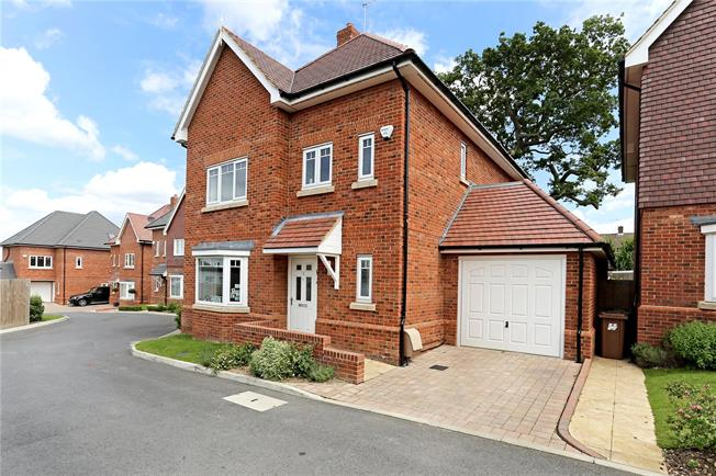 Asking Price £875,000, 4 Bedroom Detached House For Sale in Bushey, WD23