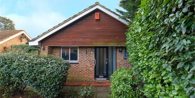 Asking Price £625,000, 2 Bedroom Bungalow For Sale in Stanmore, HA7