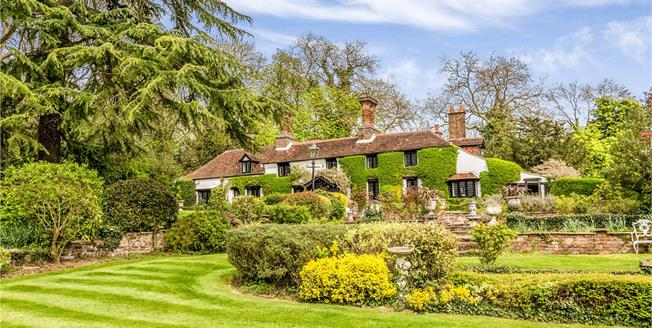 Asking Price £3,995,000, 7 Bedroom Detached House For Sale in Middlesex, HA7