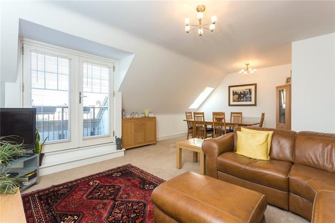 Asking Price £485,000, 2 Bedroom Flat For Sale in Bushey, WD23