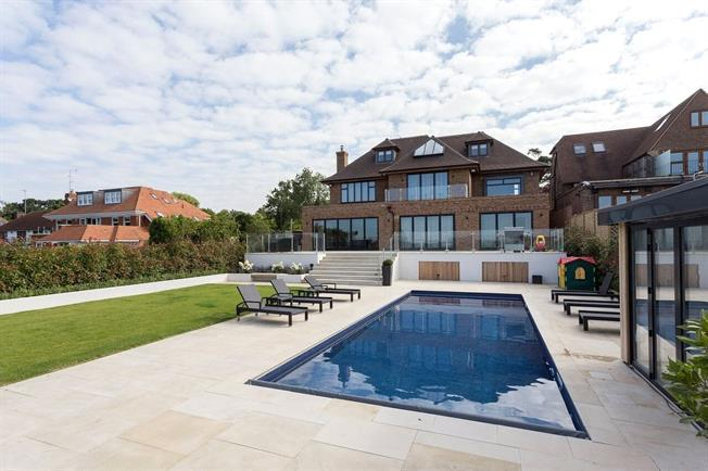 Asking Price £4,000,000, 5 Bedroom Detached House For Sale in Hertfordshire, WD23