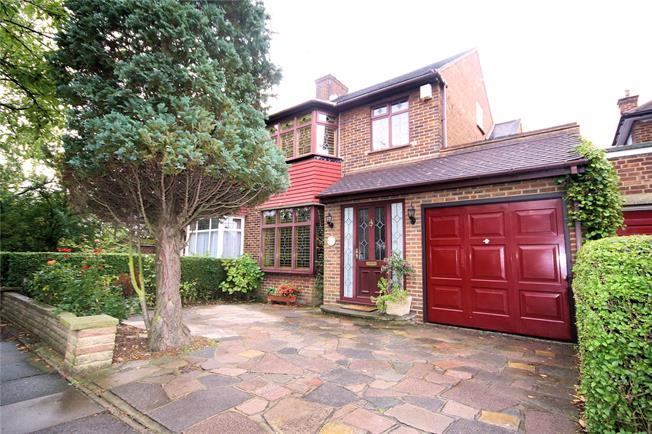 Asking Price £735,000, 4 Bedroom Semi Detached House For Sale in Stanmore, HA7