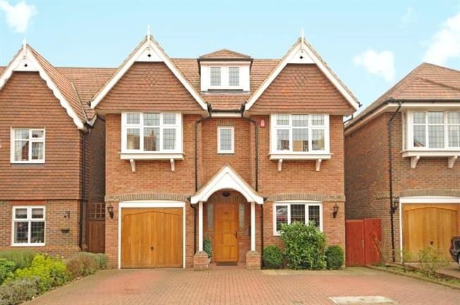 Asking Price £989,950, 6 Bedroom Detached House For Sale in Stanmore, HA7