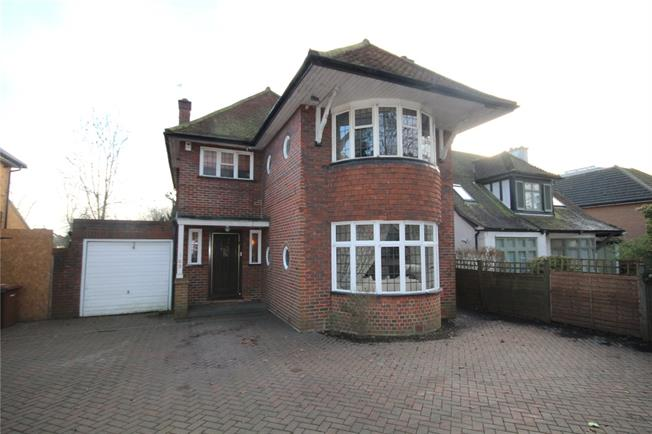 Asking Price £770,000, 3 Bedroom Detached House For Sale in Harrow, HA3