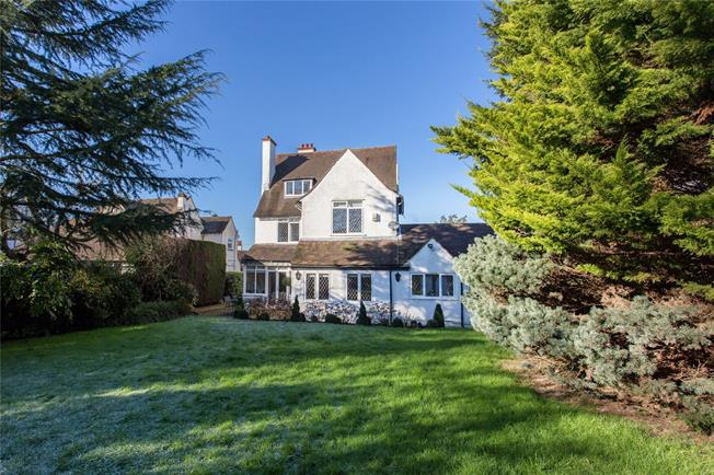 Asking Price £1,695,000, 6 Bedroom Detached House For Sale in Bushey, WD23