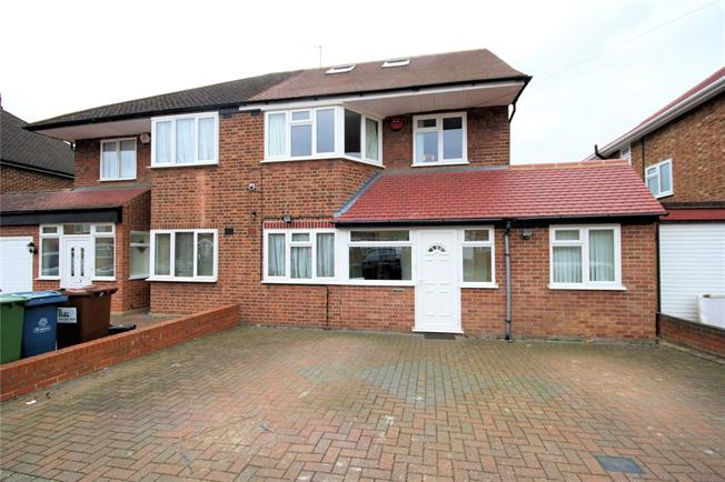 Asking Price £825,000, 4 Bedroom Semi Detached House For Sale in Stanmore, HA7