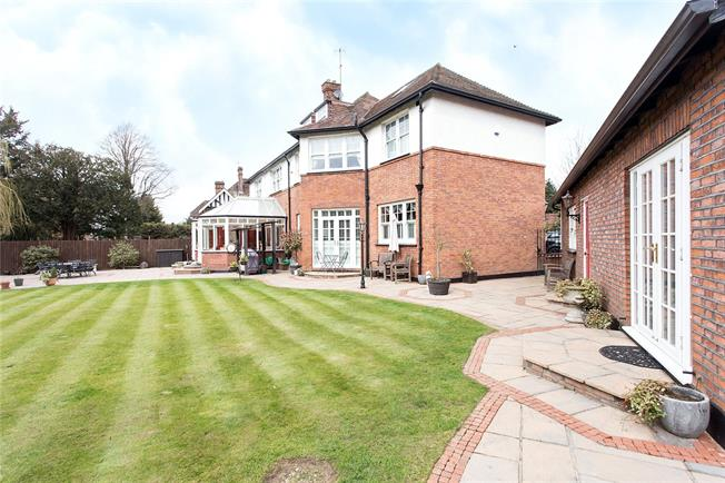 Asking Price £1,500,000, 6 Bedroom Detached House For Sale in Hertfordshire, WD19
