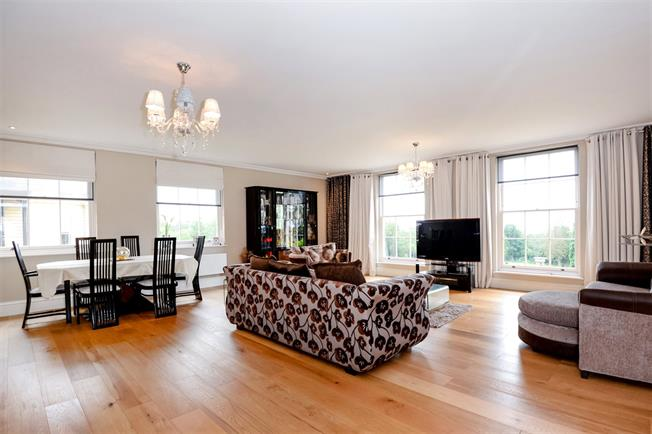 Asking Price £1,250,000, 3 Bedroom Flat For Sale in Stanmore, HA7