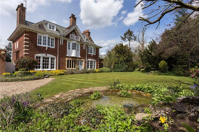 Guide Price £3,000,000, 6 Bedroom Detached House For Sale in Potters Bar, EN6