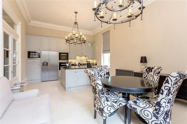 Asking Price £1,200,000, 3 Bedroom For Sale in Stanmore, HA7