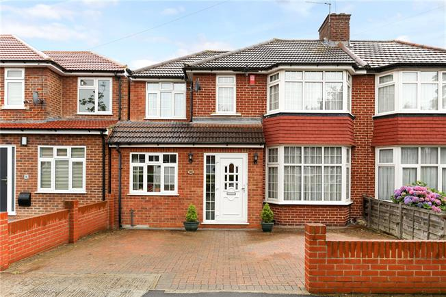 Asking Price £699,950, 4 Bedroom Semi Detached House For Sale in Stanmore, HA7
