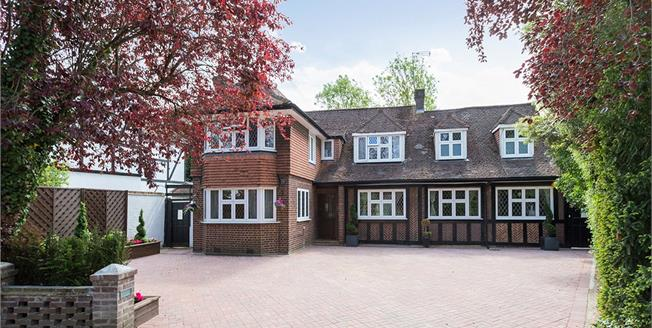 Asking Price £1,650,000, 6 Bedroom Detached House For Sale in Edgware, HA8