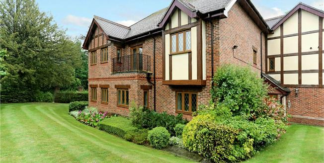 Asking Price £699,000, 2 Bedroom Flat For Sale in Stanmore, HA7
