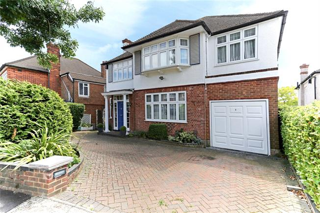 Asking Price £1,050,000, 5 Bedroom Detached House For Sale in Stanmore, HA7