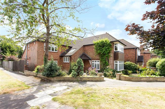 Asking Price £1,495,000, 5 Bedroom Detached House For Sale in Stanmore, HA7