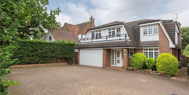 Asking Price £1,400,000, 5 Bedroom Detached House For Sale in Middlesex, HA5