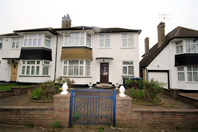 Guide Price £750,000, 3 Bedroom Semi Detached House For Sale in Edgware, HA8