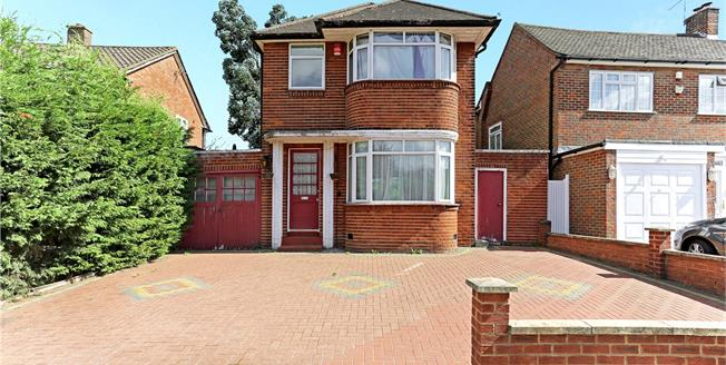 Asking Price £665,000, 3 Bedroom Detached House For Sale in Stanmore, HA7