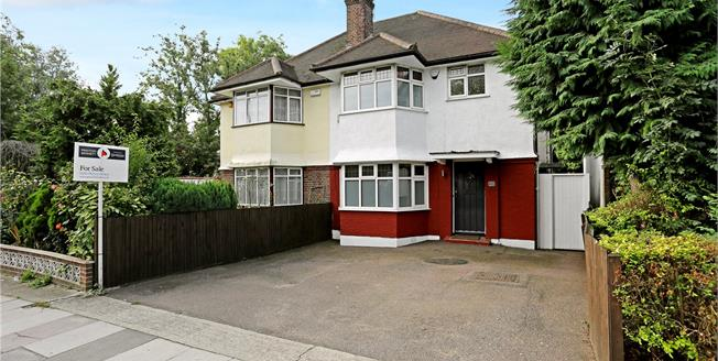 Asking Price £675,000, 3 Bedroom Semi Detached House For Sale in Edgware, HA8