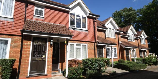 Asking Price £296,000, 1 Bedroom Flat For Sale in Harrow, HA3