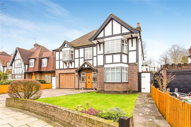 Asking Price £1,750,000, 6 Bedroom Detached House For Sale in Edgware, HA8