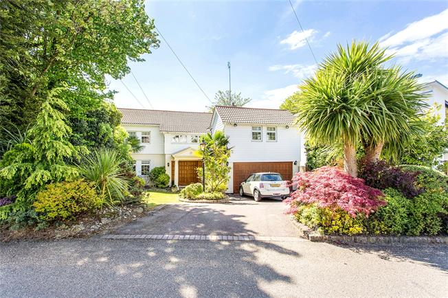Asking Price £1,499,950, 4 Bedroom Detached House For Sale in Middlesex, HA7