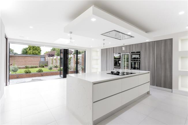 Asking Price £1,895,000, 5 Bedroom Detached House For Sale in Stanmore, HA7