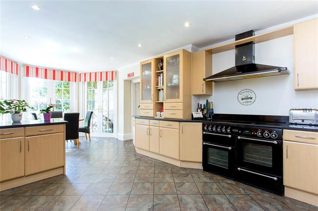 Asking Price £2,750,000, 6 Bedroom Detached House For Sale in Bushey Heath, WD23