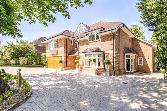 Asking Price £2,495,000, 5 Bedroom Detached House For Sale in Stanmore, HA7