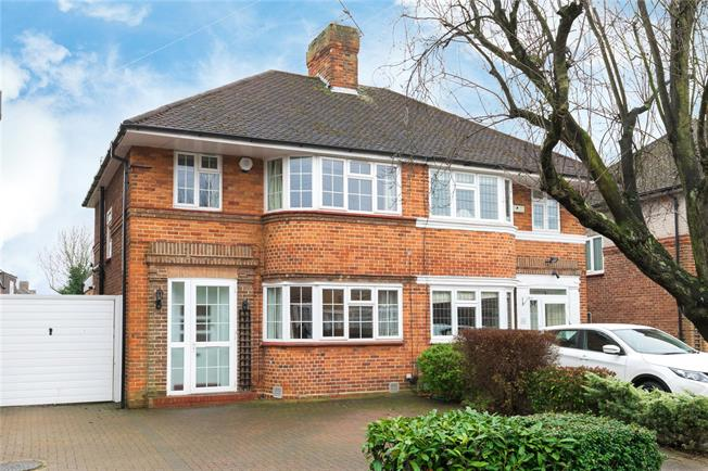 Asking Price £665,000, 3 Bedroom Semi Detached House For Sale in Edgware, HA8
