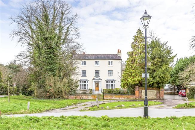 Asking Price £6,000,000, 7 Bedroom House For Sale in London, N20