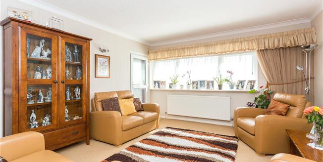 Asking Price £585,000, 3 Bedroom Flat For Sale in Edgware, HA8