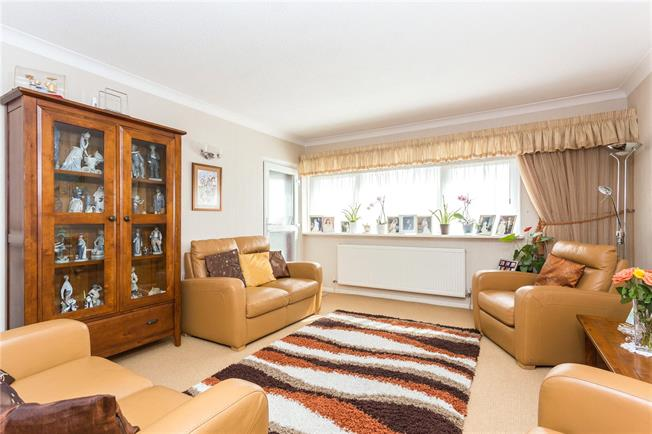 Asking Price £565,000, 3 Bedroom Flat For Sale in Edgware, HA8
