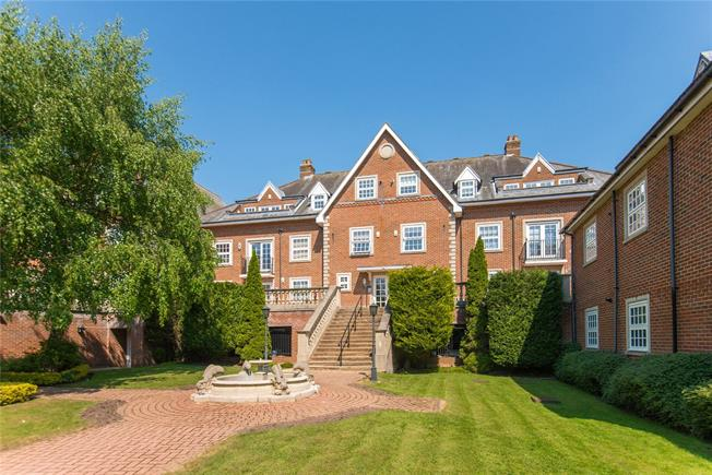 Asking Price £680,000, 2 Bedroom Flat For Sale in Stanmore, HA7