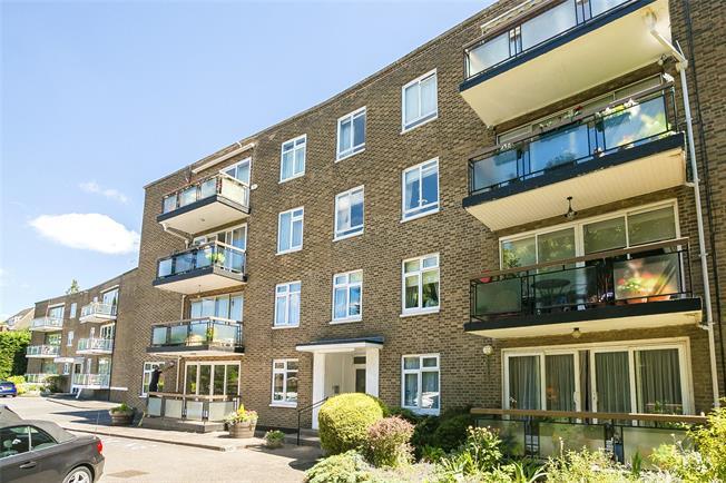 Asking Price £600,000, 3 Bedroom Flat For Sale in Bushey Heath, WD23
