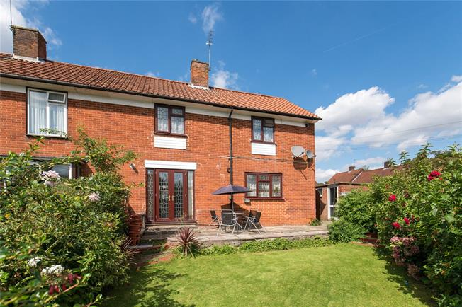 Guide Price £530,000, 3 Bedroom Semi Detached House For Sale in Stanmore, HA7