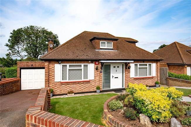 Asking Price £675,000, 3 Bedroom Bungalow For Sale in Hertfordshire, WD23