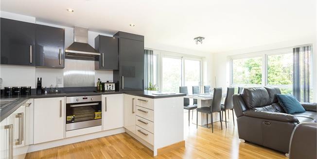 Asking Price £450,000, 2 Bedroom Flat For Sale in Edgware, HA8