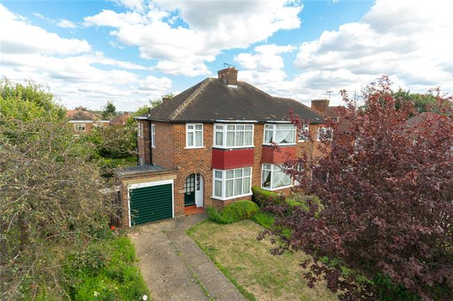 Asking Price £625,000, 3 Bedroom Semi Detached House For Sale in Edgware, HA8
