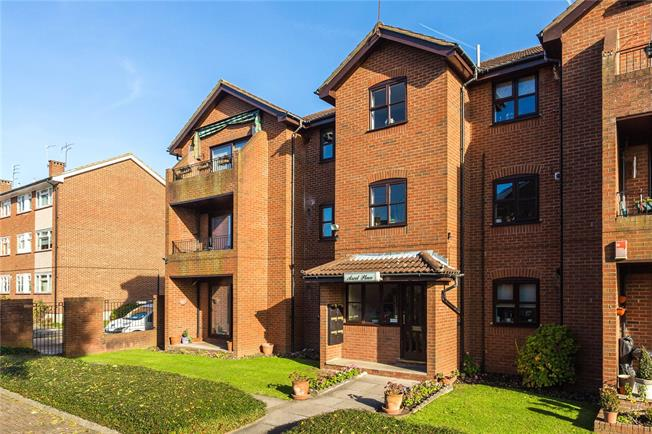 Asking Price £550,000, 3 Bedroom Flat For Sale in Stanmore, HA7