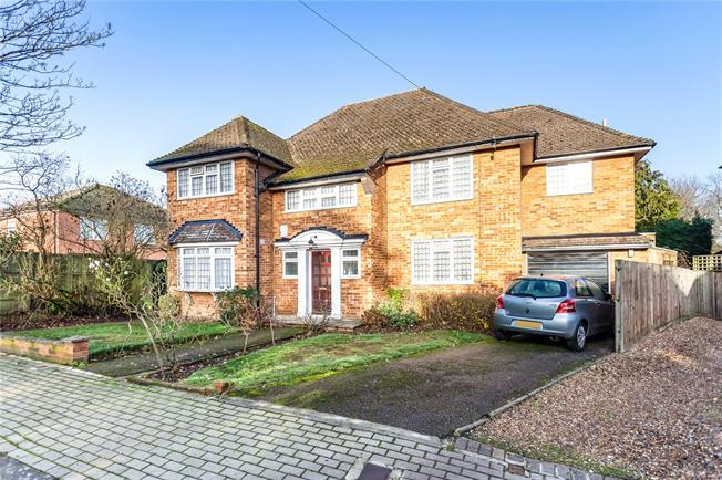 Asking Price £1,400,000, 5 Bedroom Detached House For Sale in Edgware, HA8
