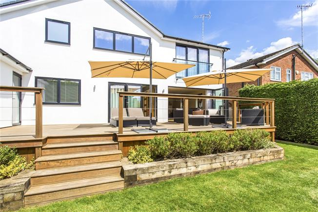 Asking Price £1,250,000, 4 Bedroom Detached House For Sale in Hertfordshire, WD23
