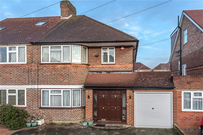 Asking Price £700,000, 3 Bedroom Semi Detached House For Sale in Edgware, HA8