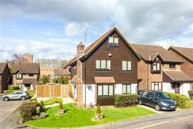 Offers in excess of £750,000, 5 Bedroom Detached House For Sale in Stanmore, HA7