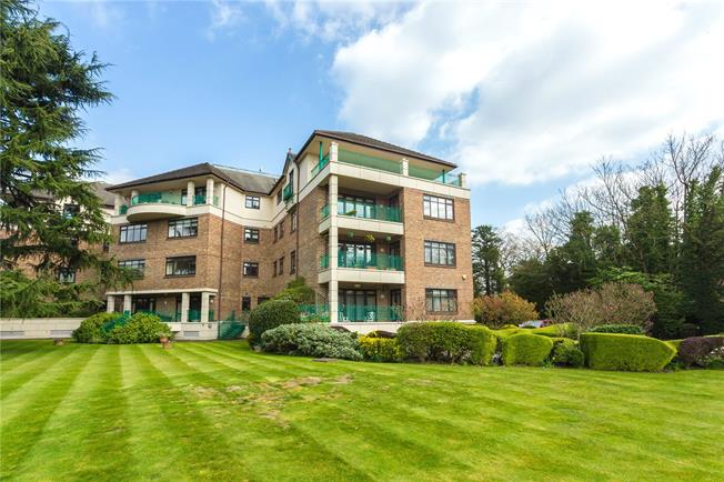 Offers in excess of £750,000, 3 Bedroom Flat For Sale in Bushey Heath, WD23