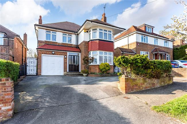 Asking Price £1,150,000, 4 Bedroom Detached House For Sale in Stanmore, HA7