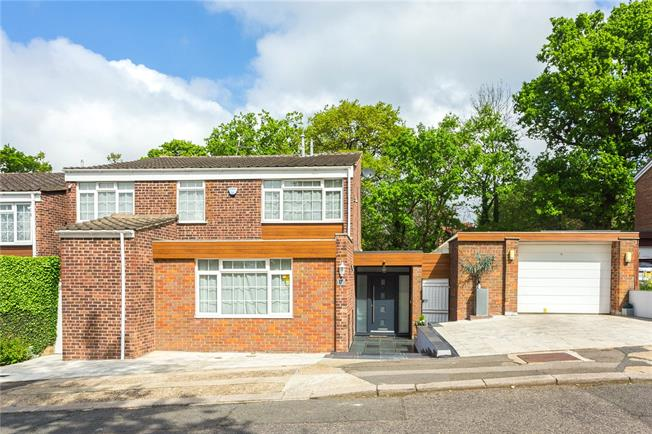 Asking Price £830,000, 5 Bedroom Detached House For Sale in Harrow, HA3