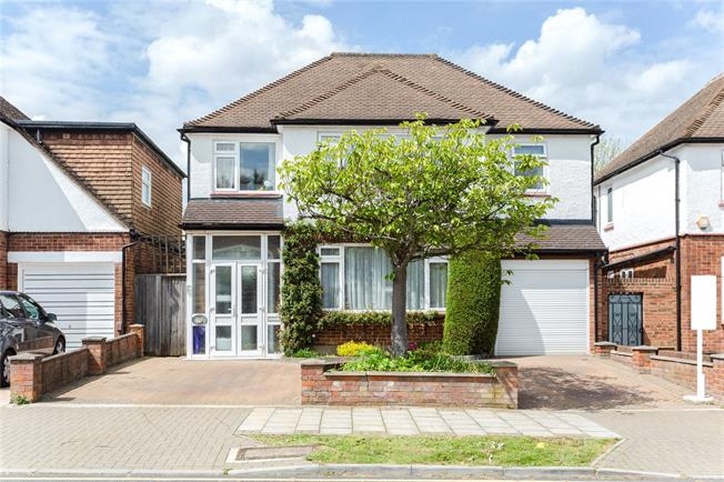 Asking Price £895,000, 4 Bedroom Detached House For Sale in Stanmore, HA7
