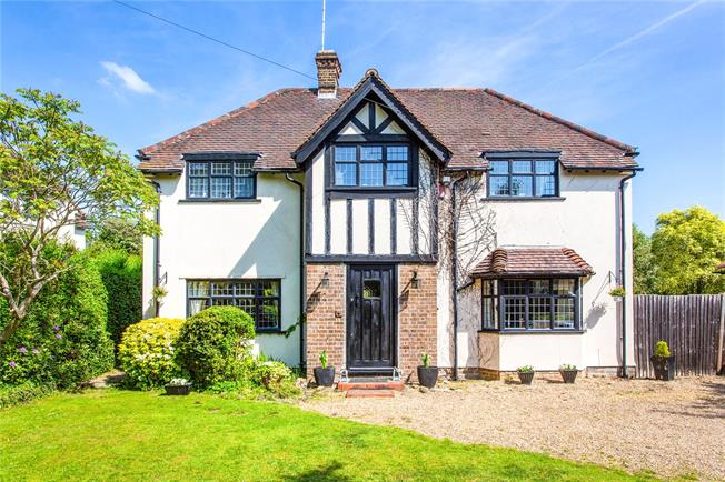 Asking Price £1,300,000, 4 Bedroom Detached House For Sale in Stanmore, HA7