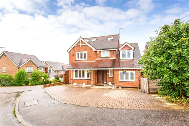 Asking Price £1,180,000, 5 Bedroom Detached House For Sale in Hertfordshire, WD23